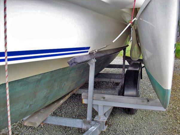 Tweedehands Dragonfly 800 swing wing trailerable trimaran te koop